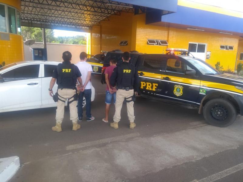 Polícia prende dupla que aplicava golpes 'chupa-cabra'