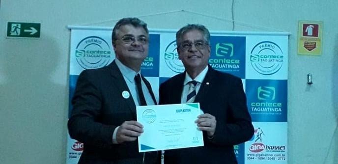 Milton Atanazio recebe o Prêmio AconteceTaguatinga no Distrito Federal