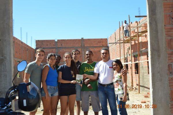 Estudantes franceses fazem trabalho social em Colônia do Gurgueia