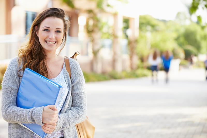 Qual escolher: pós-graduação ou curso de inglês?