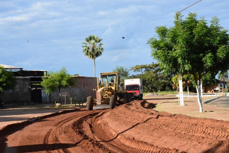 Prefeitura inicia obras de recuperação na Avenida Dirceu Arcoverde