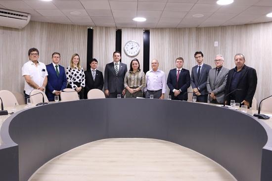 OAB Piauí realiza visita institucional ao Conselho Regional de Medicina