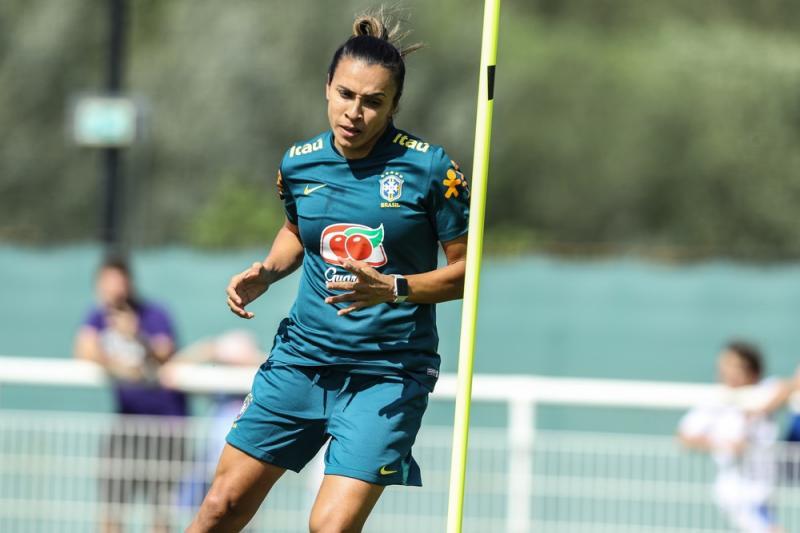 Marta volta à seleção nesta quinta-feira em jogo contra Austrália