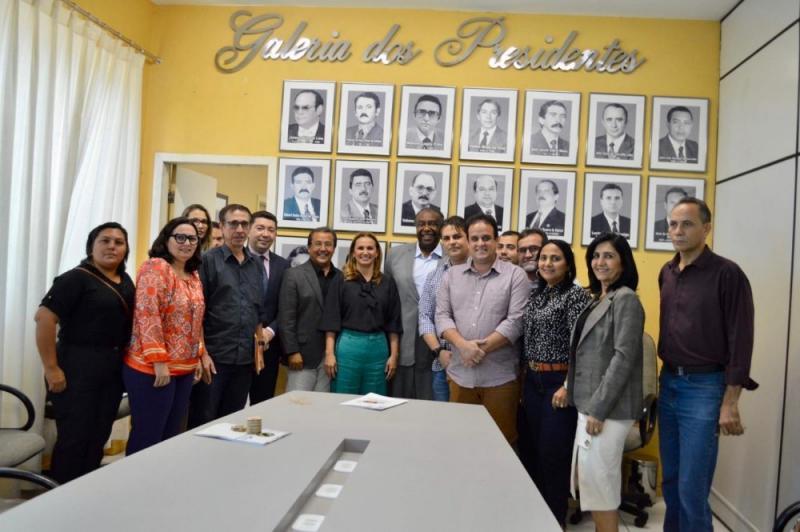 Prefeita Ceiça Dias participou de reunião na APPM