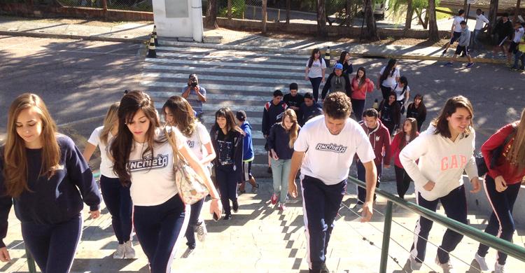 Estudo mostra baixa taxa de escolarização do ensino superior no Brasil
