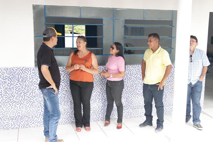 Prefeito visitou obras da Unidade Escolar e Jardim de Infância