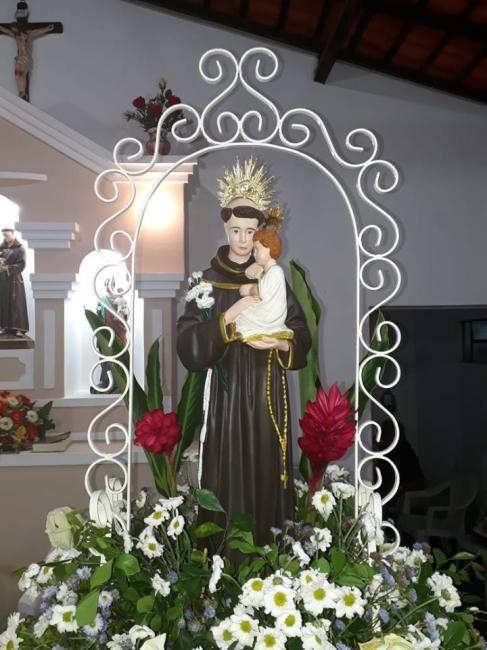 Capela lota em encerramento de festividades religiosas