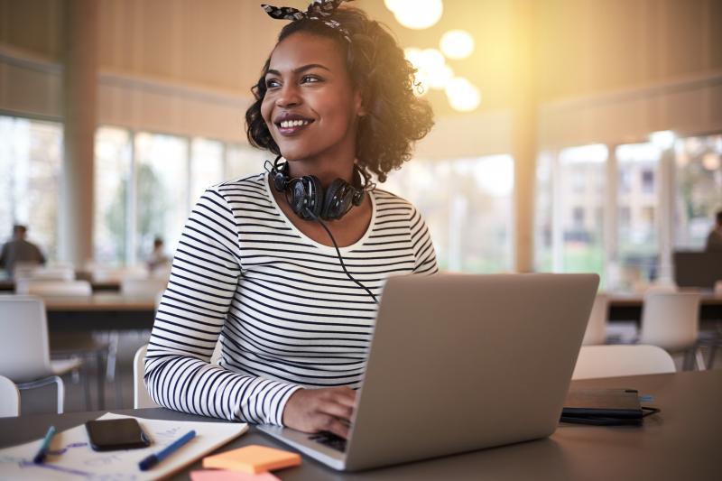 Plataforma oferece curso online gratuito para mulheres
