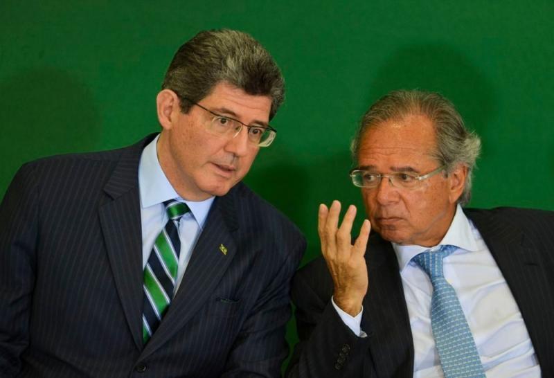 Presidente do BNDES envia carta de demissão a Guedes