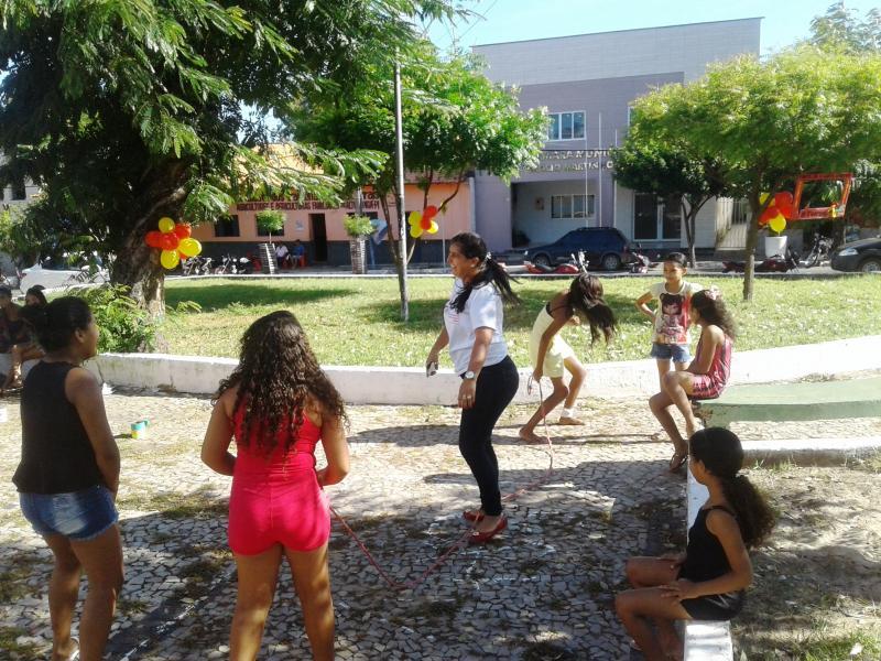 A SEASOM , reúne crianças e comemora o dia de combate ao trabalho Infantil