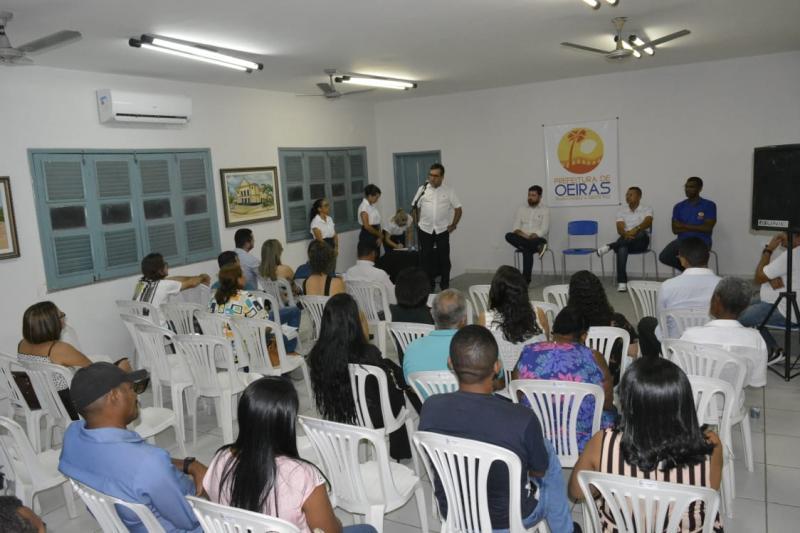 Conselho Municipal de Saúde empossa membros e elege nova diretoria