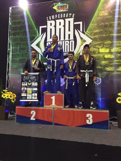 Correntino conquista ouro no brasileiro de jiu-jitsu