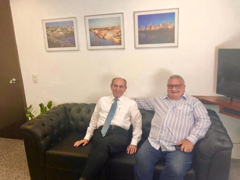 Dr. Alcione consegue quadra poliesportiva para o povoado Estaca Zero