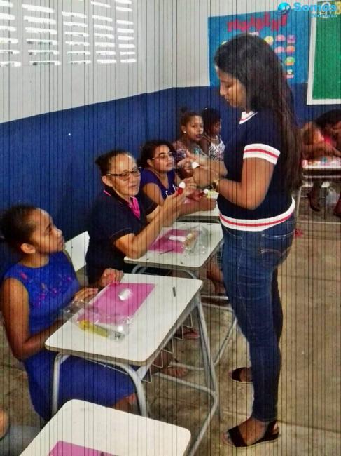 Prefeitura leva curso de biscuit a famílias do bairro Várzea em Amarante