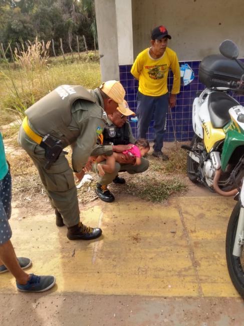 Criança para de respirar e é salva por PM em Teresina