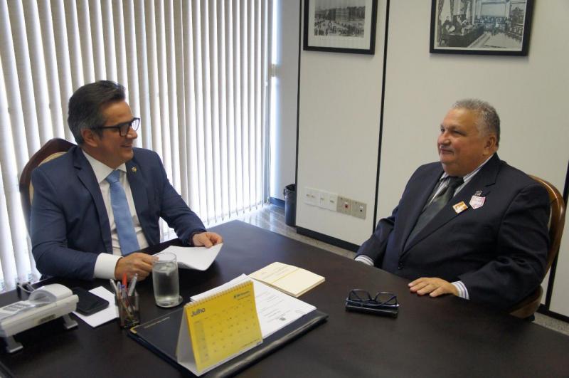 Prefeito Dr. Alcione se reúne com Ciro Nogueira em busca de recursos