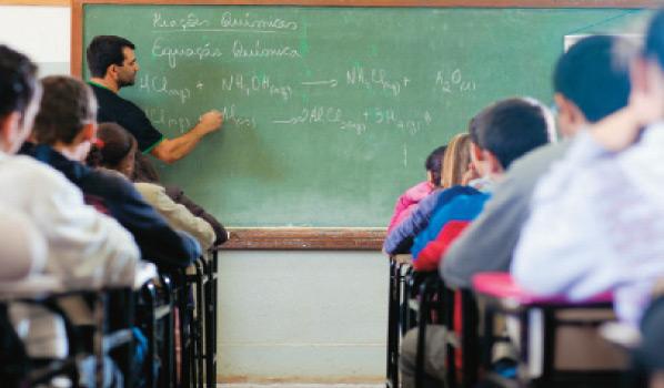 Professores brasileiros têm os piores salários, diz pesquisa