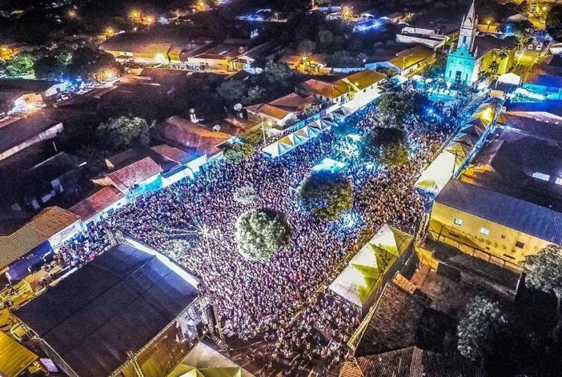 Público recorde marca show de Bruno e Marrone em São Pedro