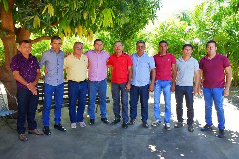 Lideranças de Bela Vista do Piauí estiveram em audiência com Assis Carvalho