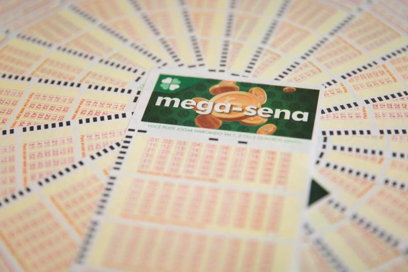 Mega-Sena acumula e pode pagar R$ 6,2 milhões