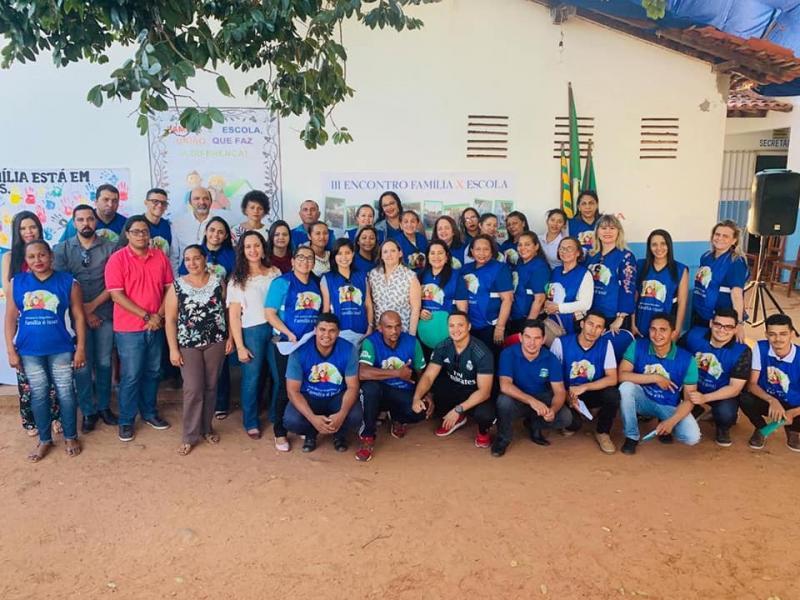 """Escola Municipal João Benício promove dia """"D da Família"""""""