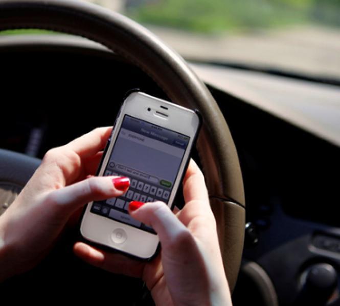 Uso do celular no trânsito é uma das infrações mais cometidas em Teresina