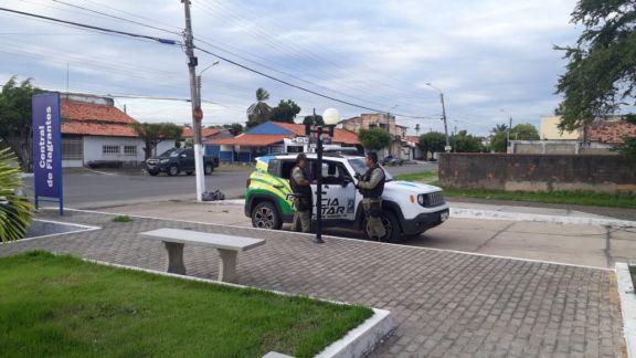 Dupla é presa por furtar ares-condicionados de escritório no Piauí