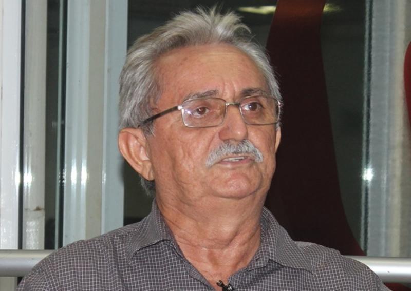 Prefeito Carlos Monte é alvo de investigação do Ministério Público