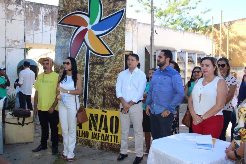 Prefeitura realiza várias inaugurações de obras em Castelo do Piauí
