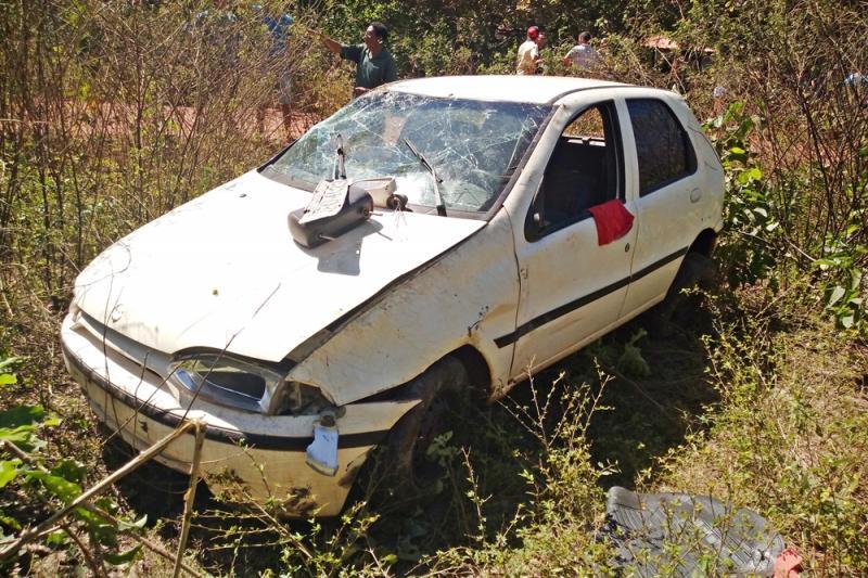 Motorista perde controle e capota veículo no interior do Piauí