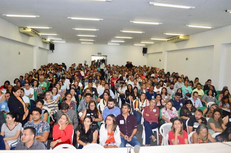 Secretária de Educação participou de capacitação para gestores educacionais