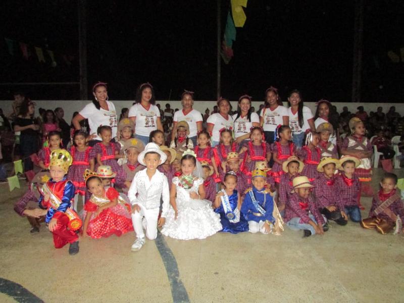Prefeito Dr. Alcione prestigia festividades juninas em Lagoinha do Piauí