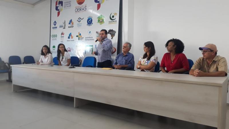 Oeiras lança campanha de controle populacional de cães de rua