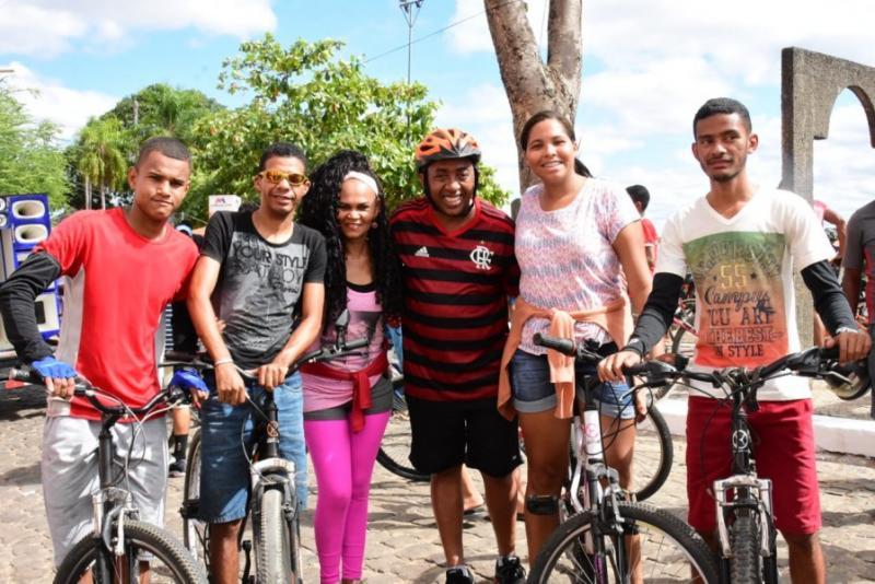 Passeio Ciclístico abre o 2º dia de atividades dos 122 anos de Floriano