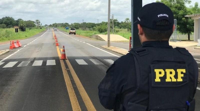 PRF aborda condutor por gerar perigo de dano na BR-402
