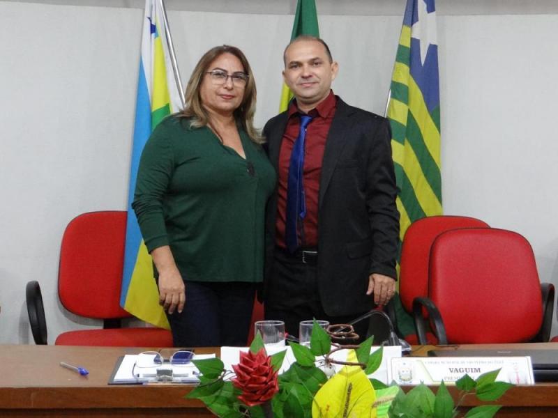 Câmara de São Pedro empossa a suplente de vereador Neumária Cordeiro