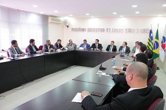 OAB-PI e AJUSPI firmam parceria em prol da advocacia piauiense
