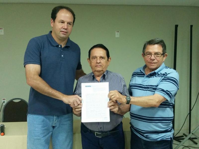 Prefeitura de Uruçuí e Codevasf assinam termo de compromisso para obra de saneamento