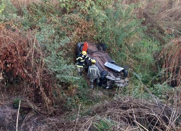 Carro cai em abismo e deixa uma pessoa morta em Teresina