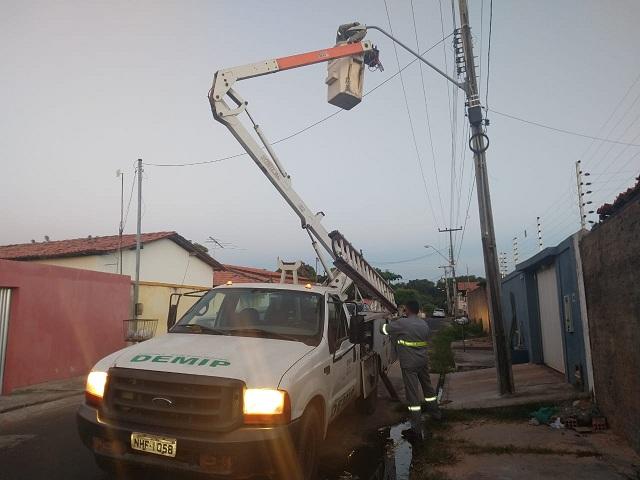 Ruas do Centro de Timon recebem melhorias na iluminação