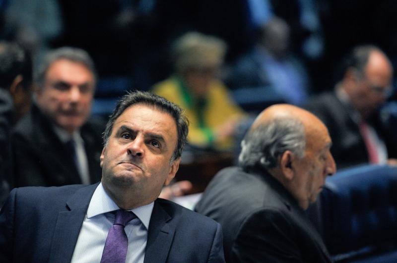 Cúpula do PSDB discute expulsão de Aécio e espera seu pedido de licença