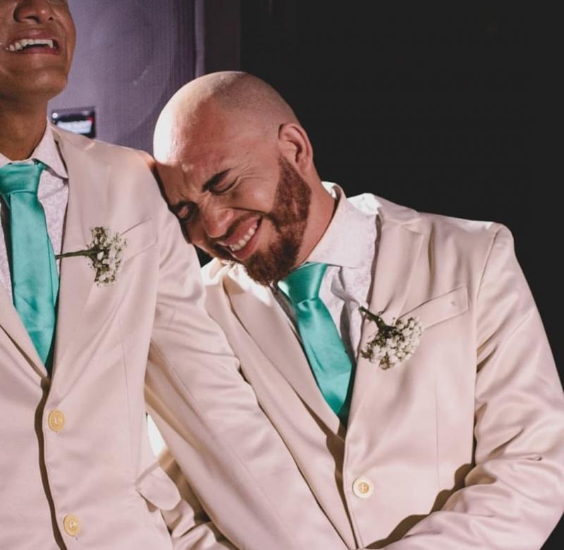 Muita emoção no enlace matrimonial de Kaique e Léo em Demerval Lobão