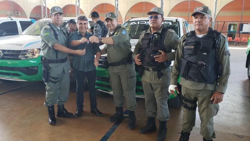 Policia Militar recebe nova viatura para Monsenhor Gil