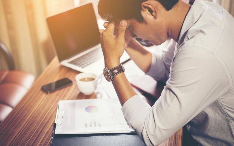 Pesquisa comprova que trabalhar demais aumenta o risco de AVC