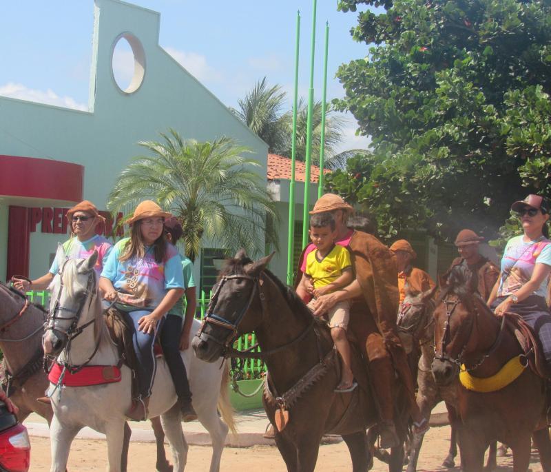 Cavalgada e festa do vaqueiro foram realizadas em São João do Arraial