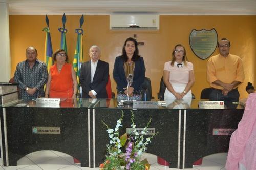 Em solenidade prestigiada D.Socorro Fonseca lança o Livro Reminiscências