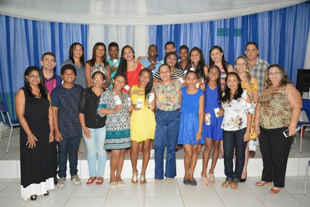 Escola Hipólito oferece jantar para concludentes do 9º Ano