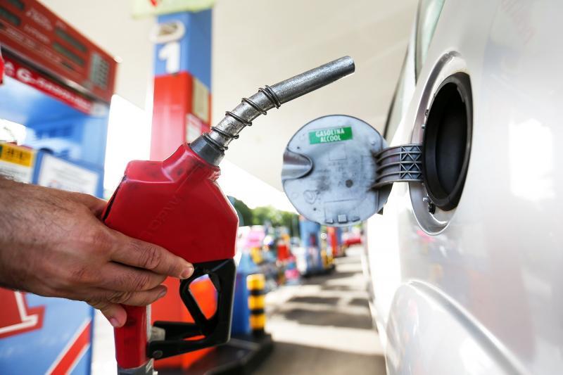Crise econômica no país faz consumo de gasolina no Piauí cair 22%