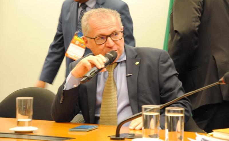 Assis Carvalho diz que reforma é 'desastrosa, desumana e desonesta'