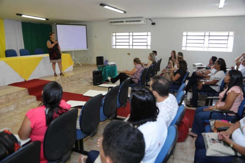 Secretaria participa de capacitação do CadÚnico em Altos